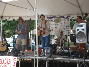 Olde_Dog_at_Oakhurst_Arts_Festival